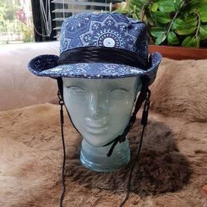 NWT, BILLABONG NAVY PRINTED SURF HAT